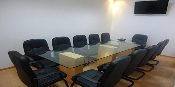 Sala de juntas our office business center for Sillas para sala de juntas